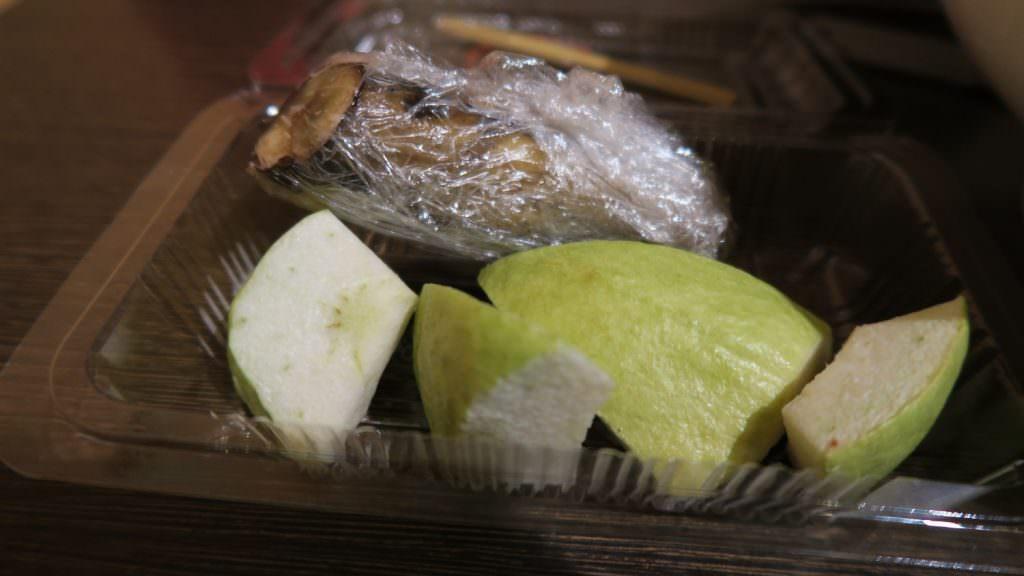 附餐的水果盒