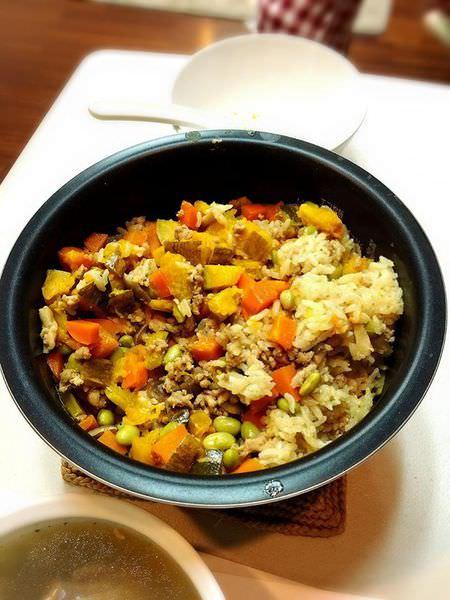 【愛下廚】人妻艾瑪象印豪熱羽釜之炊飯試做