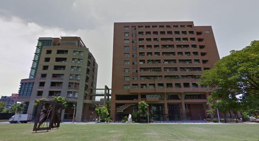 成大 自強校區 電機大樓,左邊那棟是畢業後才蓋的奇美樓