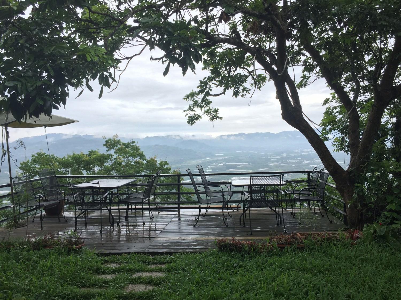 老鄉長景觀咖啡的室外用餐區