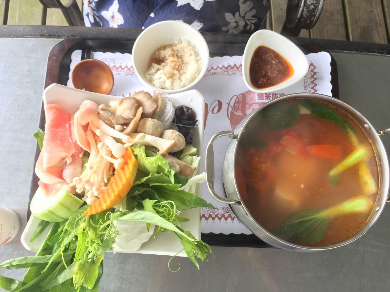 海派裝盤法的酸甜番茄鍋