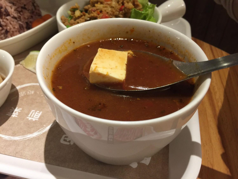 以番茄豆腐湯之名,行羅宋湯之實的低調美味